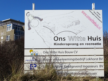 bord witte huis